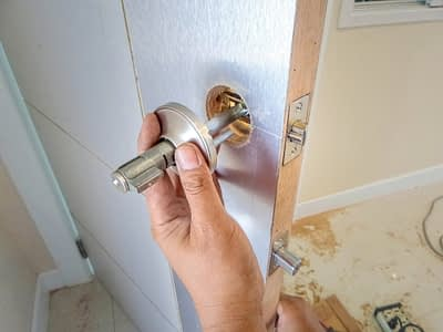 A Locksmith Near Me Who Takes Care of Lock Changes and Beyond